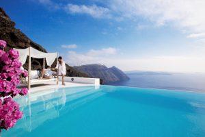 Santorini promo cena paket aranžmana: 11 dana/10 noći već od 625 €! Čudesni dragulj Mediterana sa najlepšim zalaskom sunca i plažama raznobojnog peska.