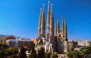 Barselona promocija: 5 dana/4 noći već od 389 €! Predlog putovanja je za period 14.11. – 18.11.2019. U cenu je uključeno: avio karta i 4 noćenja u hotelu.