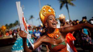 Karneval u Rio de Žaneiru je najpoznatiji i najveći na svetu. Turisti iz celog sveta dolaze da prisustvuju ovom nesvakidašnjem spektaklu. Parade, raskošne maske, magični ritam sambe i odlične vibracije su svuda oko Vas. Ovaj jedinstveni događaj treba doživeti bar jednm u životu. Jedan je karneval u Riu, svi ostali su kopije. Pripremili smo Vam specijalnu ponudu sa neverovatnim cenama. Zaplešite uz magični ritam sambe sa COCO Travel!