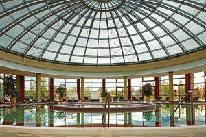 Spa & Wellness je istinski užitak posle napornih poslovnih i porodičnih obaveza. Uživajte u čarima Spa & Wellness hotela u Mađarskoj ili Sloveniji.