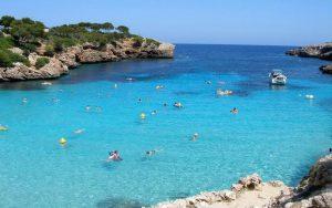 Majorka (Španija) kreirajte putovanje po svojoj želji. Odaberite period i dužinu boravka, hotelski ili apartmanski smeštaj, transfer, vrstu usluge i avio prevoz